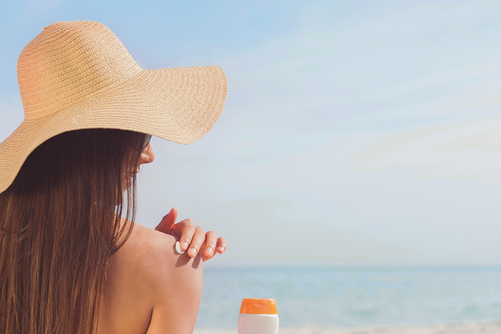 DIY Sunscreen Made With Natural Ingredients DIY Sunscreen Made With Natural Ingredients