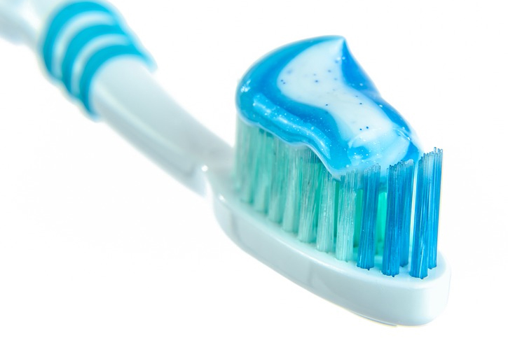 removes cavities and leaves your mouth with a fresh breath 10 Amazing Uses of Toothpaste You Don't Know